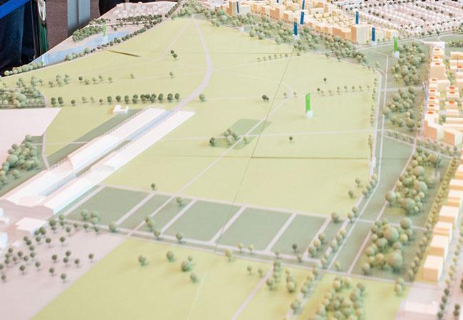 Blick auf das Modell des Spinelli Geländes zur Bundesgartenschau Mannheim 2023