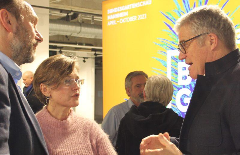 Michael Schnellbach, Karmen Strahonja und Hanspeterfaas im Gespräch